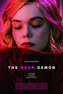 The-Neon-Demon-52