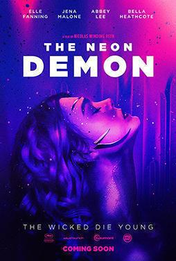 The-Neon-Demon-57